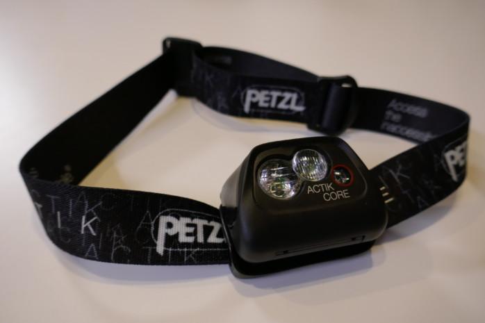 PETZL(ペツル) ACTIK COREアクティックコア。充電池×乾電池のハイブリッドヘッドランプ