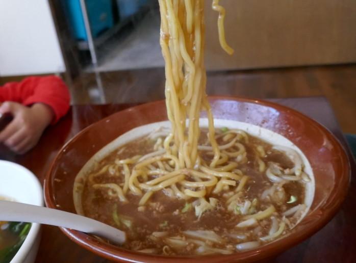 『寺泊こまどり』寺泊アメ横近くの店舗にて伝統のみそラーメンを食す