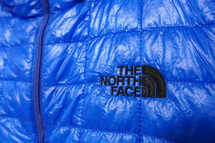 THE NORTH FACE Red Point Very Light Jacket ノースフェイス レッドポイントベリーライトジャケット ダウンに迫るハイテク保温材サーモボールを使用