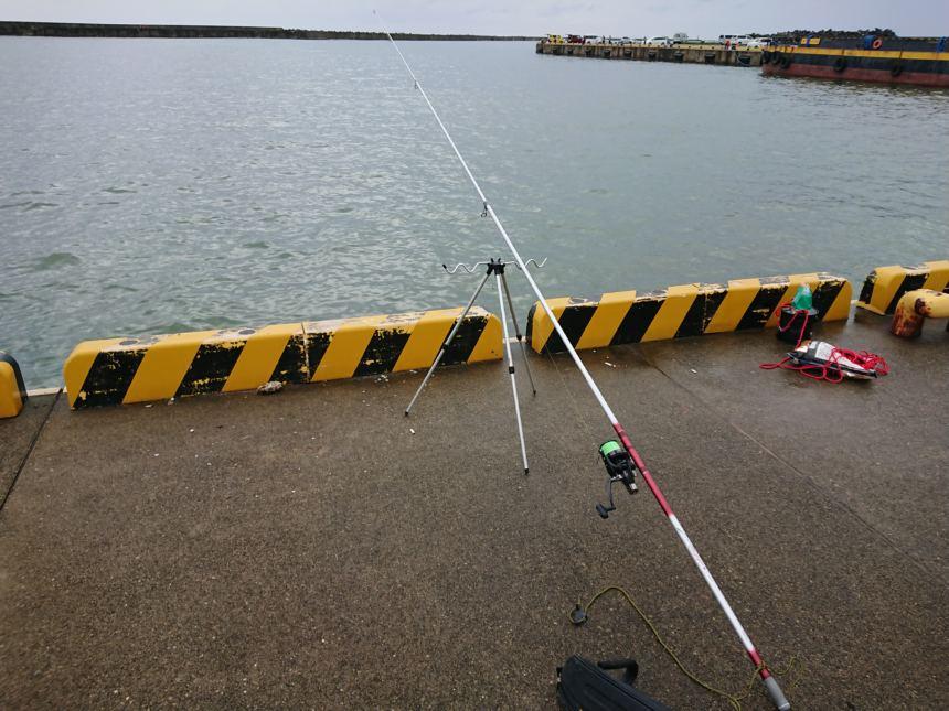 ブッコミ釣りにはQD(クイックドラグ)付きのリールが良い。ダイワ・クロスキャスト4000QD