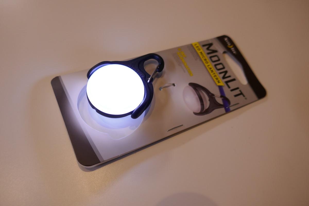 超小型ランタンNITEIZE MoonLit ナイトアイズ ムーンリットと ソロテントの常夜灯にマイクロサイズのLEDランタン7選