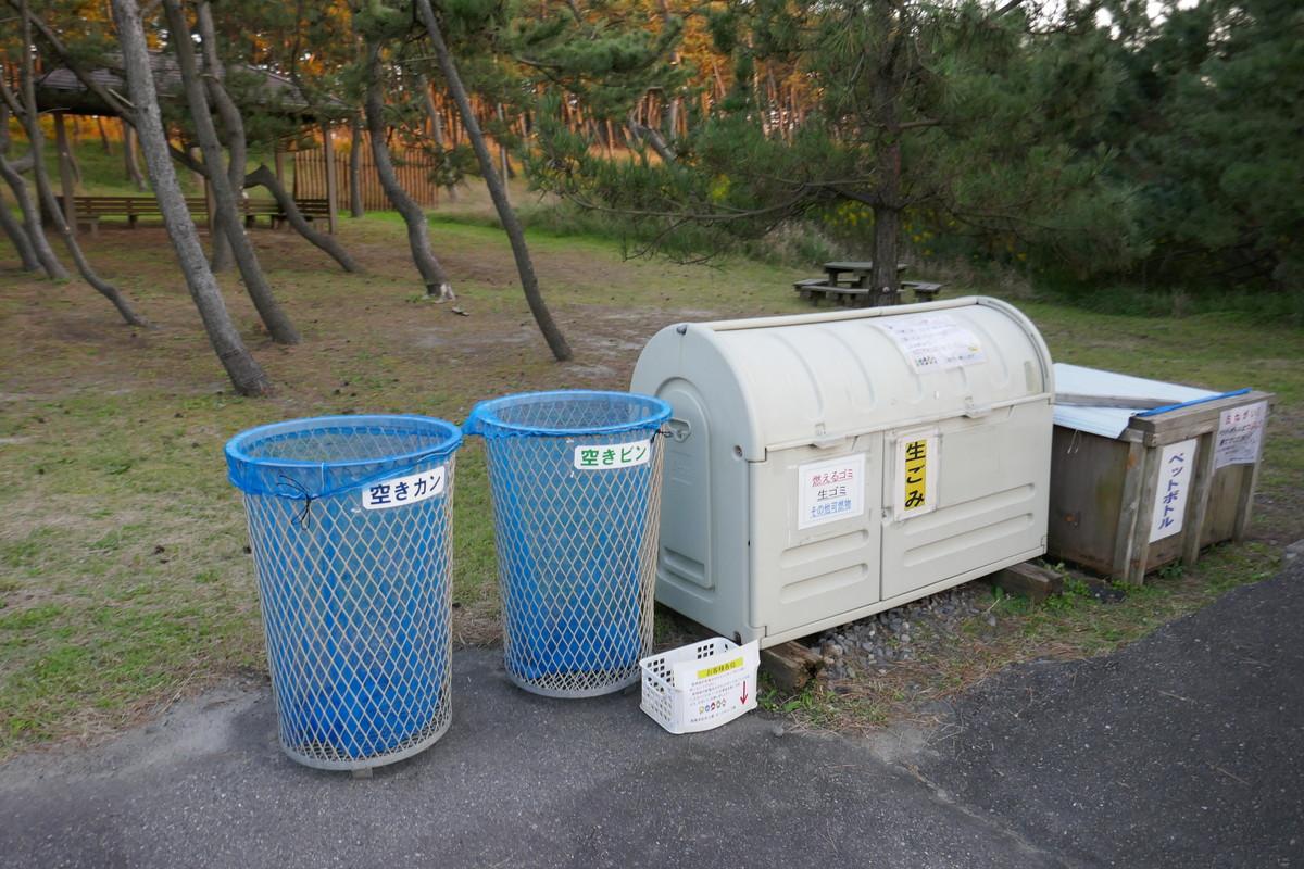 キャンプのゴミお持ち帰り急増中。車内の臭い問題の対策法