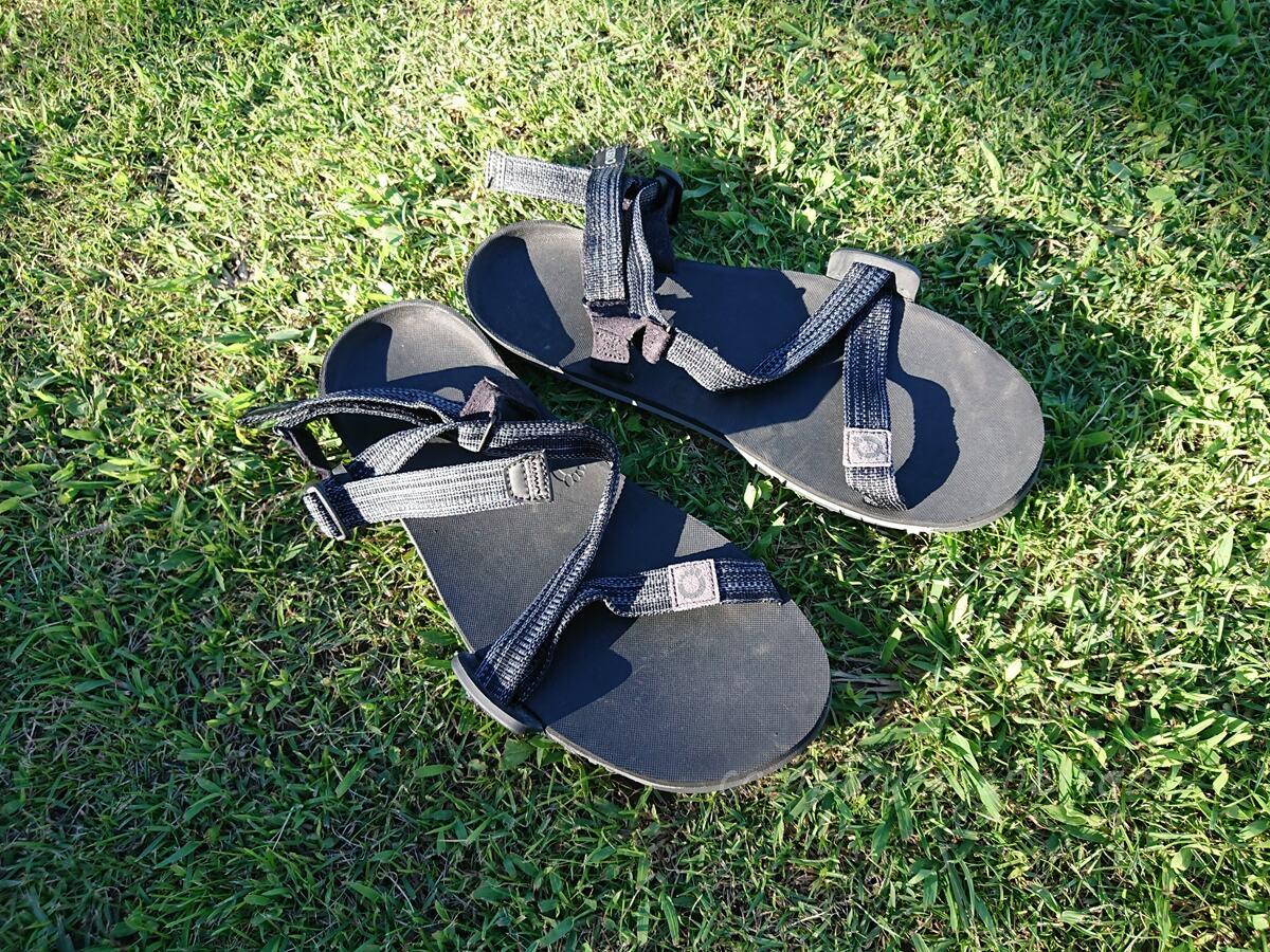 山のテント泊で登山靴から履き替えて気持ちよい軽量サンダル14選