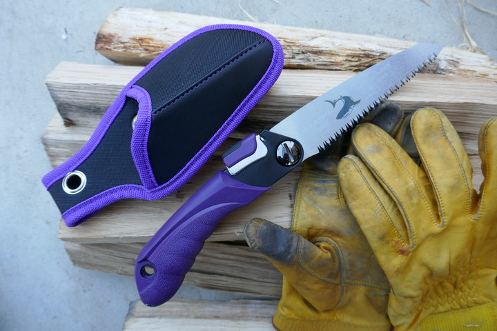 切れ味最高のノコギリ『SHARK SAWシャークソー』キャンプの薪ワークの必需品